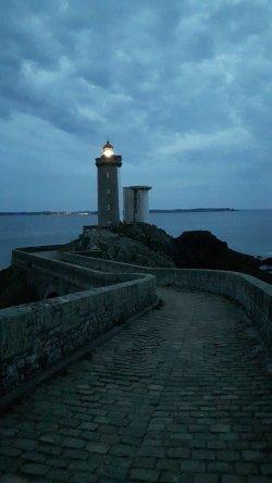 Phare du Petit Minou de nuit.jpg